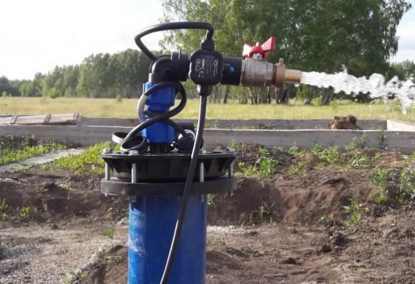 Важным и обязательным этапом устройства автономной системы водоснабжения является обустройство скважины.