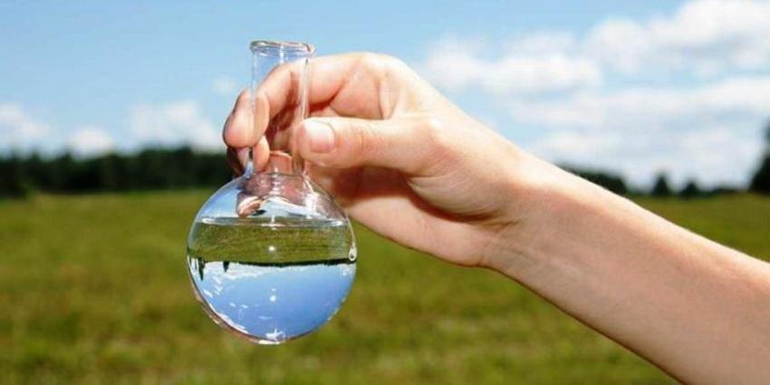 Очистка воды от железа из скважины становится первоочередной задачей.